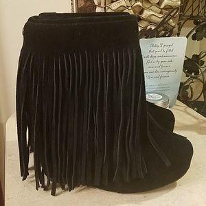 Koolaburra Veleta fringe booties Size 8